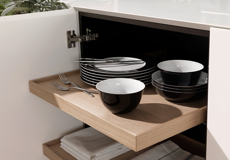 Ergonomie in der küche eine grundlegend neue idee leicht in der anmutung einfach in der handhabung die die neue ausstattungsserie