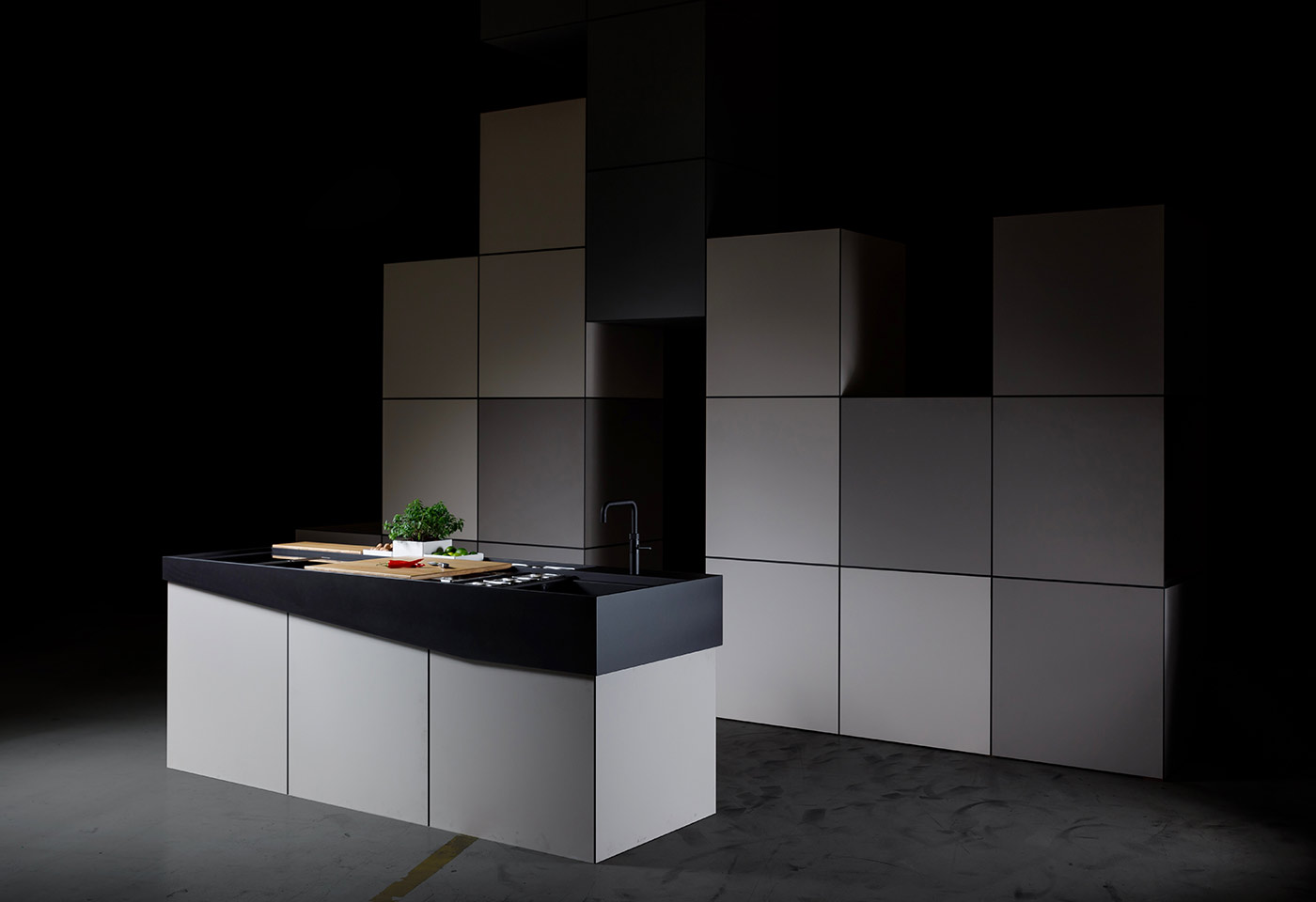 Umsetzung der zerlegbaren Kochinsel mit Tetris-Hintergrund.