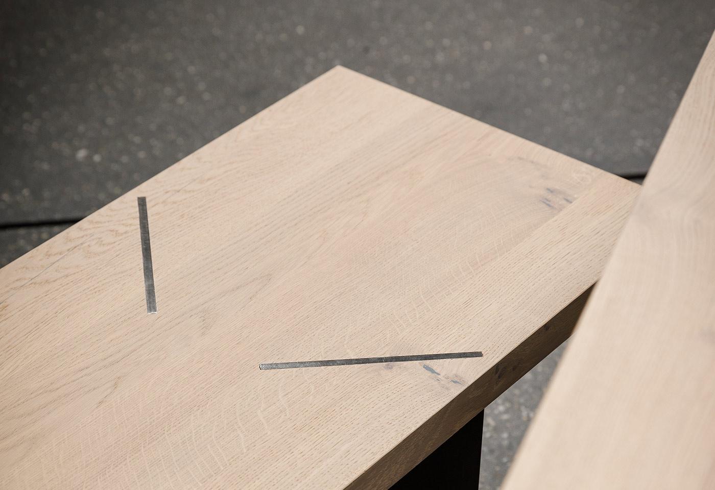 Zurückhaltende Holzbank passend zu Esstisch aus Eiche