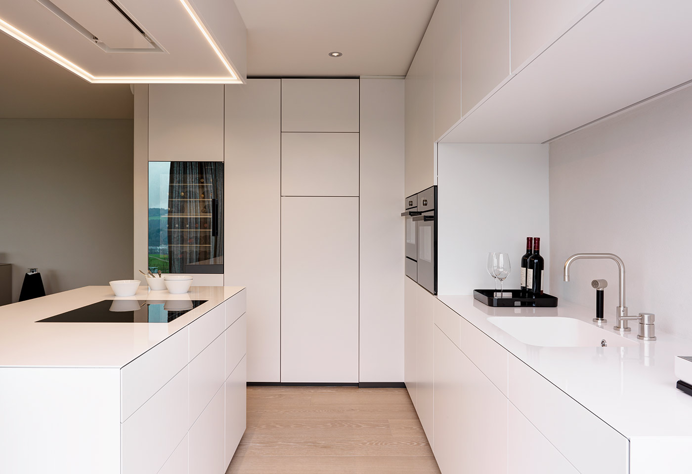 k che bronze wei offene k che zementfliesen spritzschutz 90x70 mit kochinsel abverkauf. Black Bedroom Furniture Sets. Home Design Ideas